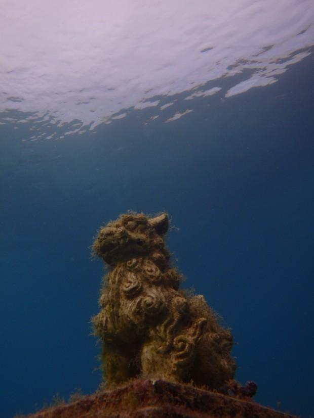 海底ポストのシーサー
