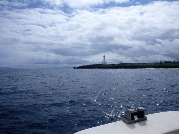 ベタナギの海!残波岬へボートダイビング