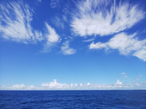 青い空!青い海!の眺め満喫。沖縄本島南部沖・ルカン礁ダイビング